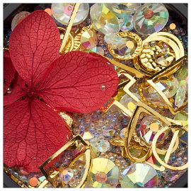 Ornamente mix cristale, perlute si floare rosie