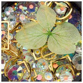 Ornamente mix cristale, perlute si floare verde