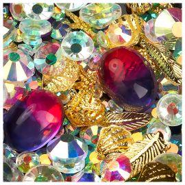 Decor unghii caviar, cristale si forme metalice #05