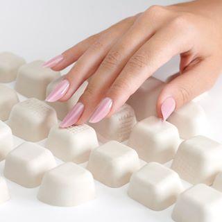Flexi Slim nails ✨ • ⭐️Nail artist: @aurabakosnails ⭐️ ⭐️Photographer: @vlad.cindea ⭐️ • #CupioNails #nailstagram #nailsofinstagram #instanails #slimnails #nailart #naillove #nailaddict #Cupio