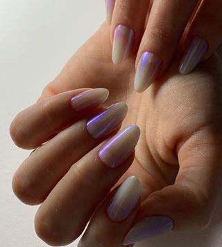 Holographic Nails ???? • ✨Nail artist: @elizacristinacs •  #Cupio #CupioNails #CupioTrainer #CupioGels #nailstagram #instanails #nailsofinstagram #nailaddict #nailfashion #nailphotography #nails2inspire #nailstyle #nailart