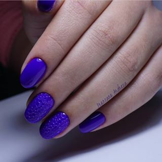 Purple snake ???? Using Admiral ???? • ✨Nail artist: @pruneanu.andreea •  #CupioNails #purplenails #snakeeffectnails #nailstagram #nailsofinstagram #naildesign #nailtrainer #nailart #nails2inspire #nailstyle
