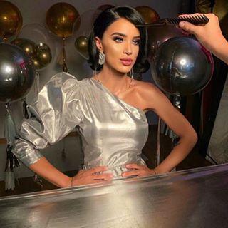 Behind the scenes with lovely @adelina.pestritu ???? • #CupioAmbassador #shooting #tblastyear  #CupioMakeup #beautymakeup