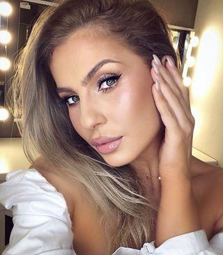 Soft bridal look ???? • #Cupio #makeup #CupioMakeup #bridallook #bridalmakeup #softbridalmakeup #instamakeup #makeupaddict #makeuplover #silktoucheyeliner #holographiceyeshadow  #skinshades